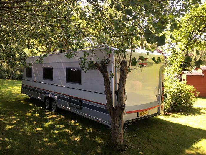 Stor og lækker helårsvogn køreklar til campingferie i Europa