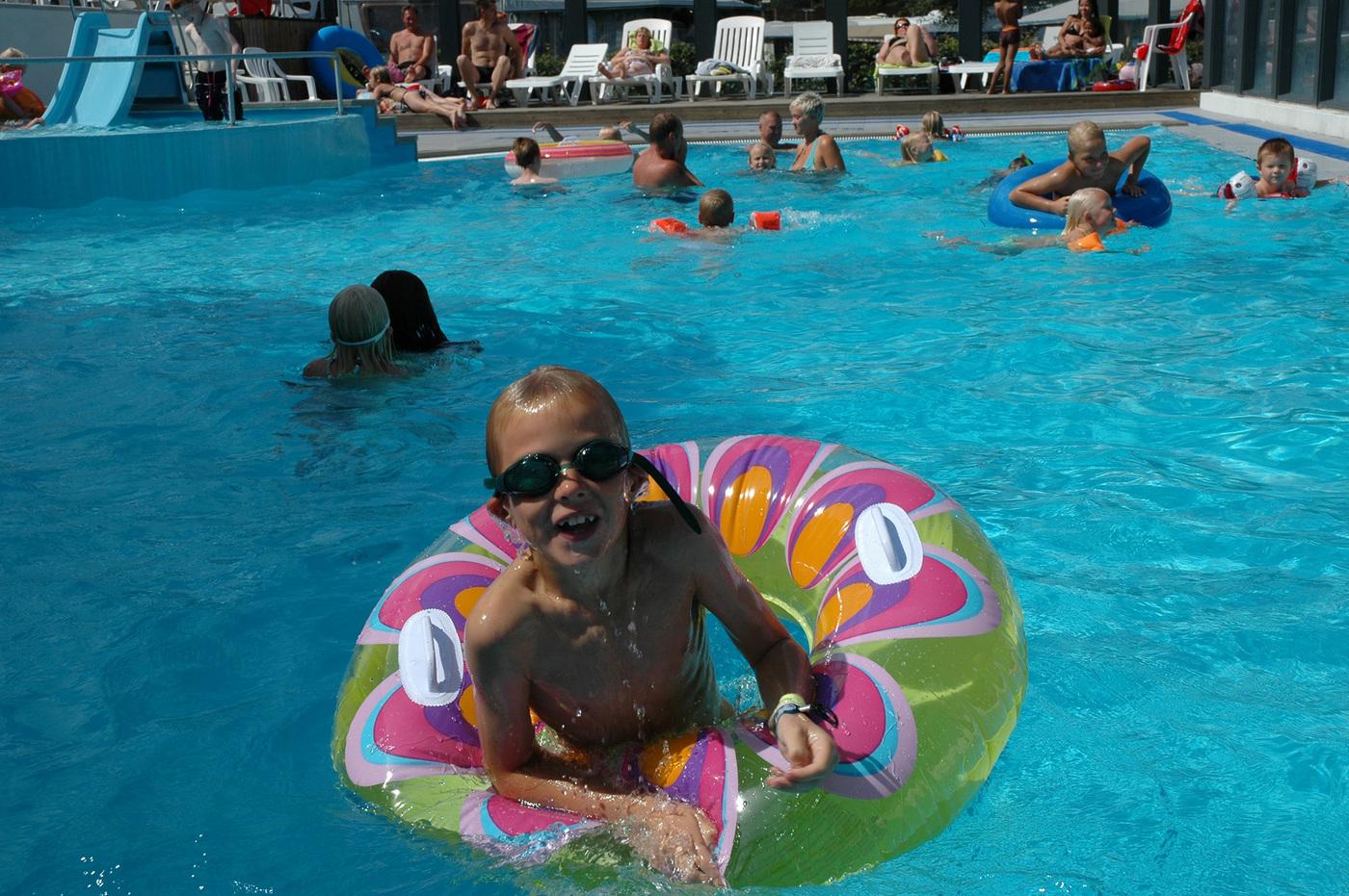 Thumb pool badering